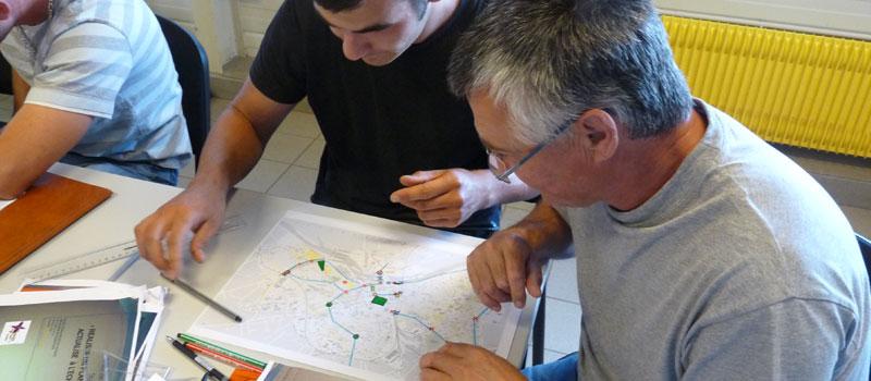 ELABORATION-DES-PROJETS-DE-MASSIFS-EN-EQUIPE-DE-FLEURISSEMENT-NEVERS-2012--2